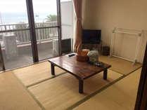 【お部屋】海が見える和室は気持ち良いですよ♪