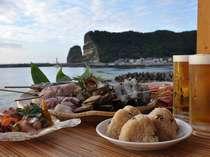 立神岩を見ながら海鮮バーベキュー