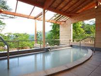 2010年7月にOPENした貸切露天風呂。源泉100%かけ流しの乳白色の湯(ひめさ湯り・壱の湯)