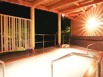 空中露天・杜の湯(夕景・男性用)天然温泉100%の硫黄泉の極上にごり湯です。