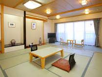 客室一例(新館)広々とした清潔感あふれる和室をご用意しております。