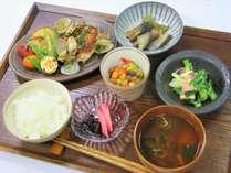 【1泊2食】田舎定食スタイル 7品 (軽め~普通のお食事)