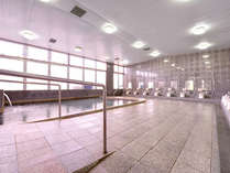 *大浴場/ビーチで遊んだ後は、温かいお風呂に入って疲れを癒しましょう。