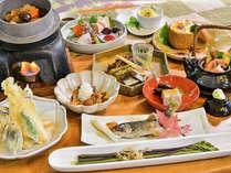 灯akari-秋冬:きのこやイワナなど奥会津の恵みを存分に使った品々が並びます。