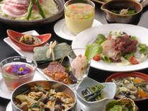 *料理人が全て手作りでお出しする、彩り豊かな和食膳。(夕食一例)