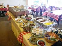 *朝食は約15種類の和食中心のバイキングをご用意いたします!(朝食一例)