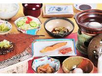 朝を彩る「奥飛騨朝食膳」