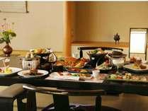 別館『四季』で優雅にお部屋食をお楽しみ下さい