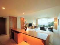 *全室半露天風呂付き・70平米以上のスイート仕様の客室。(ホテル棟客室一例)