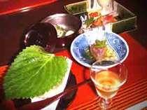 地元の飛騨野菜と飛騨牛をふんだんに盛り込んだ「新緑御膳」(一例)