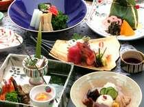 旬の食材をふんだんに用いた京風会席(一例)