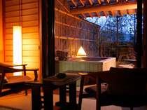 【庭・露天風呂付客室12畳】お宿には和風ならではの、ゆったりとした時が流れています(写真は一例)