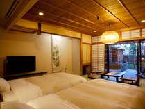 【庭・露天風呂付客室12畳】露天風呂付ツイン客室。な天然温泉を独り占め。