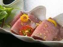 【ご夕食一例】産地だからこそできる品質と調理法にこだわった飛騨牛料理を、ぜひお愉しみください。