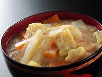 ◇興福寺で振る舞われる『粕汁』を、興福寺の全面協力のもと再現し、朝食会場でご提供!