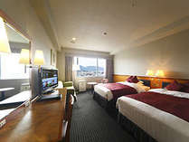 東側ラージツインルーム(35㎡)。客室からは若草山を望めます。