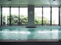 《ご宿泊者専用浴場》営業時間15:00~23:30。タオルは別途ご持参ください。部屋着不可・スリッパ可。