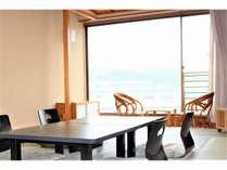【和室】12畳で窓も大きい広々空間