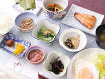 *【朝食全体例】和朝食をご用意いたします。朝からご飯がススむメニューが盛りだくさん!