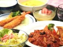 日替わりの夕食 洋定食の全体イメージ