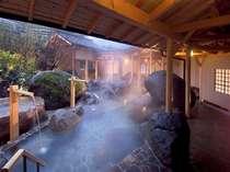 【庭園露天風呂】東北地方随一の広さを誇る庭園露天風呂