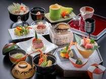 【お料理】料理長が手掛ける季節の会席料理※写真は特選会席一例