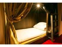 女性専用ドミトリールーム二段ベッド1台