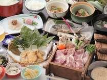 豚の蒸し焼きに変更されたアップグレードメニュー。事前予約にて受付。地元野菜も沢山