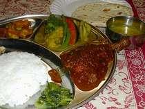 レストランメニューの中で、うちの一押、ネパールカレーセット、ここだけの味なので是非、ご賞味あれ!