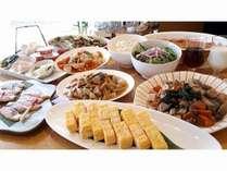 一日の始まりは栄養たっぷりの朝食から!!朝食はレストランにて和洋バイキング