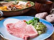 2種のメイン料理【赤城鶏香草焼きトマトソース仕立て】&【上州牛ステーキ】仲良くシェア♪フリースタイル