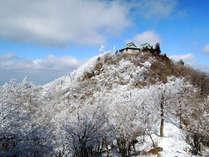 雪化粧をした英彦山