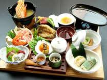夕食一例 福岡の海の幸、英彦山周辺の添田町の山の幸を中心としたお料理をお出ししています。