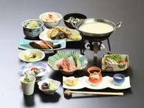 【四季会席】海山の幸豊富な富山でグルメ&温泉を気軽に楽しむ<個室食>