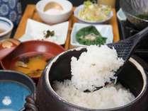 *【朝食】かみくらのお米は、契約農家さんが大切に育てたお米です