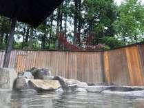 *【露天風呂:夏(一例)】大自然を眺める露天風呂