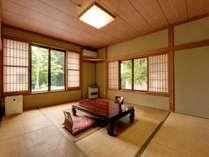 *【本館(旧館):ペット10畳】お部屋からは四季の景色をお楽しみいただけます