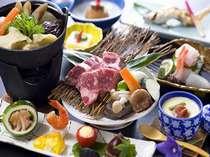 夕食は部屋or個室でゆっくりと堪能(一例)。旬の地元素材や和牛の鉄板焼、大分名物だご汁も付く