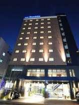 数多くの飲食店が並ぶ、博多の奥座敷西中洲。ホテルに泊まって西中洲を散策する事も、魅力の一つです。