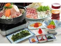 冬料理【栂池山鍋】すき焼きたれにチゲスープをブレンド。冬は鍋であったまろう!基本1泊目