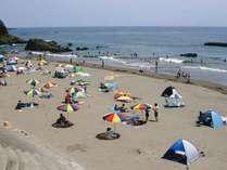 KAWAZU BEACH:河津浜海水浴場。OFA ATUから徒歩10分。水質は最高のAAランク。穴場的ビーチ。