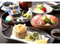 【旬魚・食通プラン】 夕食は和食「富山御膳」!スタンダードツイン(20平米)限定プラン