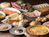 10月ディナーブッフェ 「ローストビーフとチーズ料理」