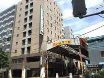 ホテルブーゲンビリア札幌外観写真。狸小路7丁目アーケードの中にあります。
