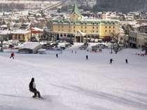 スキー場が目の前!スキーロッカー完備。スキー・スノボするならナトゥールヴァルトへ!