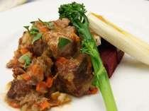 料理は本格的、雰囲気は気さくな宿を目指しています。