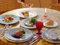 夕食は欧風ビストロコースをベースとして5種類のプランからお選び下さい。