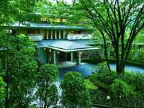 箱根早雲山を望むエントランス皆様をお出迎え致します