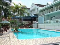 *当館プール。夏場、お客様は無料でご利用になれます。