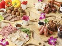 夕食バイキングのメインは色々なお肉が味わえる「肉バル」